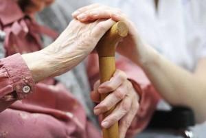 servicii-pentru-persoanele-varstnice-650x435
